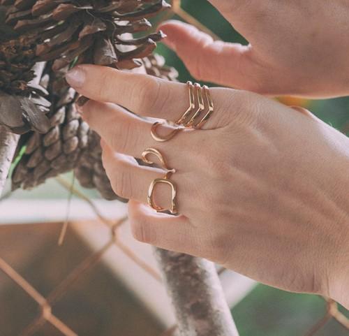 #anillos oro mujer corte ingles #Anillo Tessara flecha #Joyas Tessara #Moda mujer moderna #Anillo de oro amarillo #Estilo de mujer elegante #Joyas españolas #joya hecha en España #Tessara ring arrow #Tessara jewelry #Modern women's fashion #Yellow gold ring #Elegant woman style #Spanish jewelry #jewel made in Spain #joyas de mujer en murcia #Joyeria de mujer #Anillo oro mujer #Anillo de mujer poderoso #Por qué usar un anillo de mujer #Anillo oro mujer Madrid #Anillo oro mujer Barcelona, #Anillo oro mujer Sevilla #Anillo oro mujer Zaragoza #Anillo oro mujer Granada #Anillo oro mujer Bilbao #Anillo oro mujer Palma #Anillo oro mujer Valencia #Anillo oro mujer la coruña #Anillo oro mujer Tarragona #Anillo oro mujer León #Anillo oro mujer Salamanca #Anillo oro mujer Burgos #Anillo oro mujer San Sebastián #Anillo oro mujer Toledo #Anillo oro mujer Albacete #Anillo oro mujer Pamplona #Anillo oro mujer Marbella #Anillo mujer oro Alicante #Anillo oro mujer Valladolid #Anillo oro mujer Cáceres #Anillo oro mujer Santa Cruz de tenerife #Anillo oro mujer Badajoz #Anillo oro mujer Vitoria #Anillo oro mujer Avila #Anillo oro mujer Lérida #Anillo oro mujer Cuenca #Anillo oro mujer Teruel #Anillo oro mujer Cádiz #Anillo oro mujer Oviedo #Anillo oro mujer Logroño #Anillo oro mujer Gerona #Anillo oro mujer Gijón #Anillo oro mujer Segovia #Anillo oro mujer Castellón de la plana #Anillo oro mujer jaén #Anillo oro mujer Huelva #Anillo oro mujer Orense #Anillo oro mujer Vigo #Anillo oro mujer Santiago de Compostela #Anillo oro mujer Almería #Anillo oro mujer Melilila #Anillo oro mujer Ciudad Real #Anillo oro mujer Alcalá de Henares #Anillo oro mujer Soria #Anillo oro mujer Cartagena #Anillo oro mujer Santander #Anillo oro mujer Zamora #Anillo mujer oro Sitges #Anillo oro mujer Murcia #Anillo oro mujer marbella #Joyeria Sergell