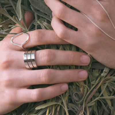 #Anillo de mujer Tessara Iliada #Anillo de mujer plata #Anillo de mujer Tessara Iliada #Anillo de mujer plata #Women's ring Tessara Iliada #Women's ring silver #moda mujer moderna #Joyas Tessara #Anillo de Plata #Estilo de mujer elegante #Tessara arrow ring #moda modern woman #Jewelry Tessara #Style woman style #Tessara jewelry #Handmade ring #Joyas de mujer online #Irradia charisma #spanhish women ring #Made in spain jewelry #joyas de mujer en murcia #Joyeria de mujer #Anillo plata mujer #Anillo de mujer poderoso #Por qué usar un anillo de mujer #Anillo plata mujer Madrid #Anillo plata mujer Barcelona, #Anillo plata mujer Sevilla #Anillo plata mujer Zaragoza #Anillo plata mujer Granada #Anillo plata mujer Bilbao #Anillo mujer plata Palma #Anillo mujer plata Valencia #Anillo mujer plata la coruña #Anillo plata mujer Tarragona #Anillo plata mujer León #Anillo plata mujer Salamanca #Anillo plata mujer Burgos #Anillo plata mujer San Sebastián #Anillo plata mujer Toledo #Anillo plata mujer Albacete #Anillo plata mujer Pamplona #Anillo plata mujer Marbella #Anillo mujer plata Alicante #Anillo plata mujer Valladolid #Anillo plata mujer Cáceres #Anillo plata mujer Santa Cruz de tenerife #Anillo plata mujer Badajoz #Anillo plata mujer Vitoria #Anillo plata mujer Avila #Anillo plata mujer Lérida #Anillo plata mujer Cuenca #Anillo plata mujer Teruel #Anillo plata mujer Cádiz #Anillo plata mujer Oviedo #Anillo plata mujer Logroño #Anillo plata mujer Gerona #Anillo plata mujer Gijón #Anillo plata mujer Segovia #Anillo plata mujer Castellón de la plana #Anillo plata mujer jaén #Anillo plata mujer Huelva #Anillo plata mujer Orense #Anillo plata mujer Vigo #Anillo plata mujer Santiago de Compostela #Anillo plata mujer Almería #Anillo plata mujer Melilla #Anillo plata mujer Ciudad Real #Anillo plata mujer Alcalá de Henares #Anillo plata mujer Soria #Anillo plata mujer Cartagena #Anillo plata mujer Santander #Anillo plata mujer Zamora #Anillo plata mujer Sitges #Anillo plata mujer M