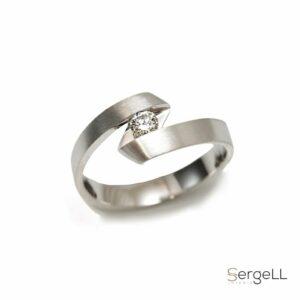 #Купить украшения онлайн #Женские украшения #бриллиантовое кольцо #Роскошное женское кольцо #Современное кольцо с бриллианто