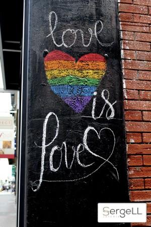 Dia orgullo gay, love is love